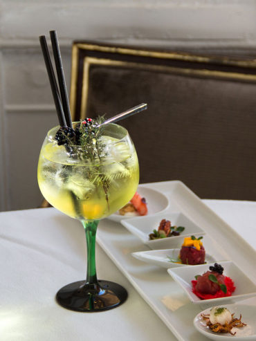 Cocktail & Snacks at Hotel Majestic Roma