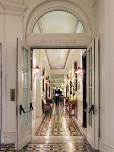 Il corridoio che porta alle sale funzioni