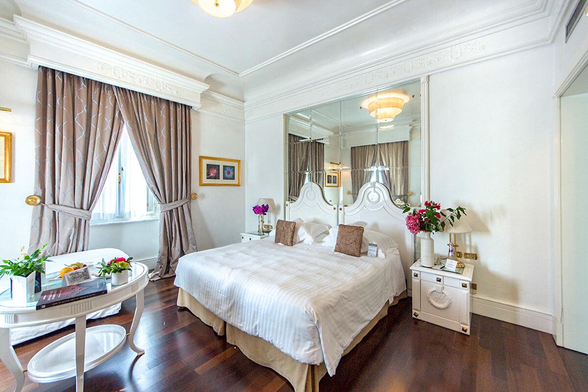 Deluxe Triple Room - Hotel Majestic Roma